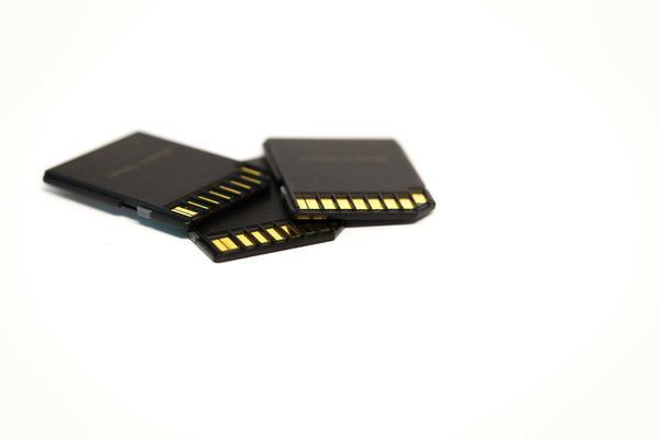 Jak odtworzyć zdjęcia i dane z uszkodzonej karty pamięci?