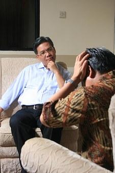 Czym jest terapia hipnozą?