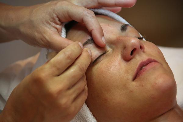 Zatrzymaj młodość – botoks na twarz