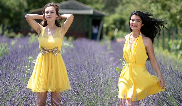 Modna sukienka ze sklepu internetowego