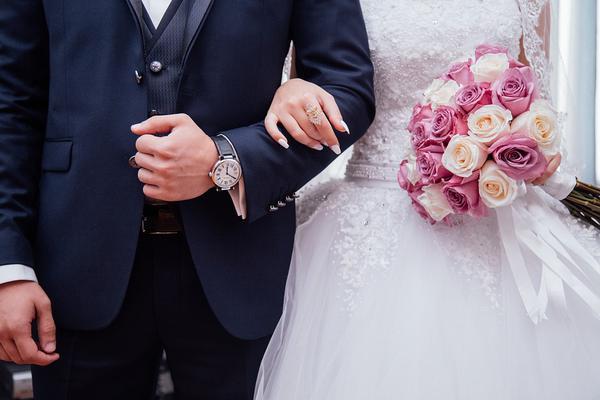 Organizacja ślubu przez młodych