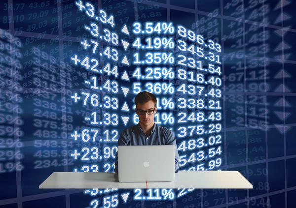Warto skorzystać z bogatej oferty kantoru online