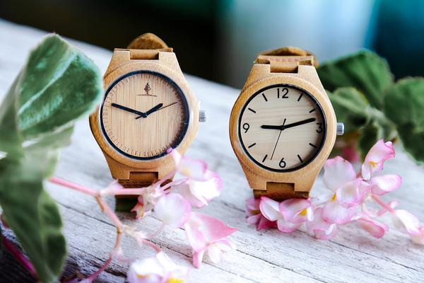 Wybór drewnianego zegarka z gwarancją