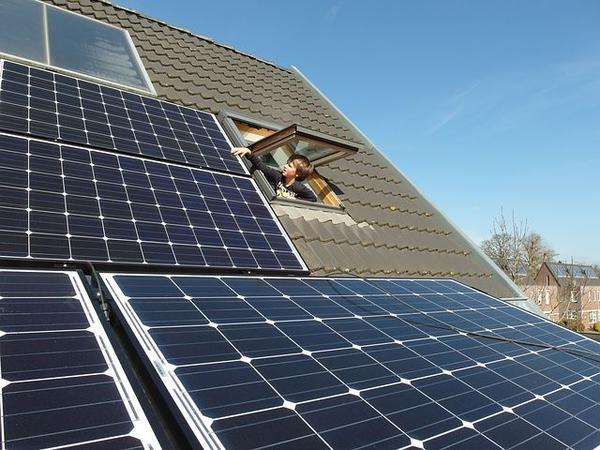 Czy warto zainwestować w panele słoneczne?