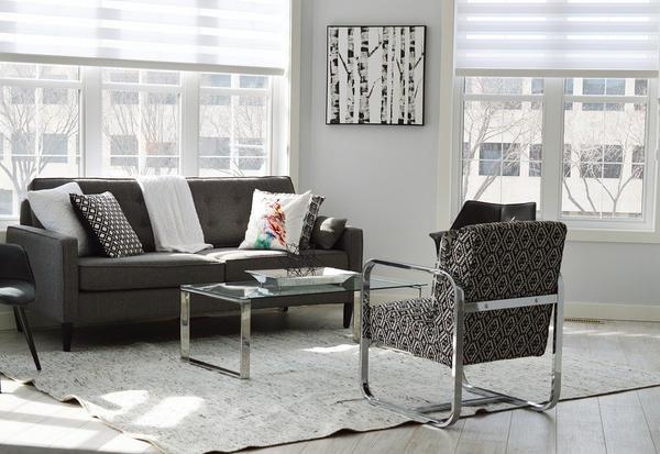 Designerskie wnętrze z rozkładaną sofą